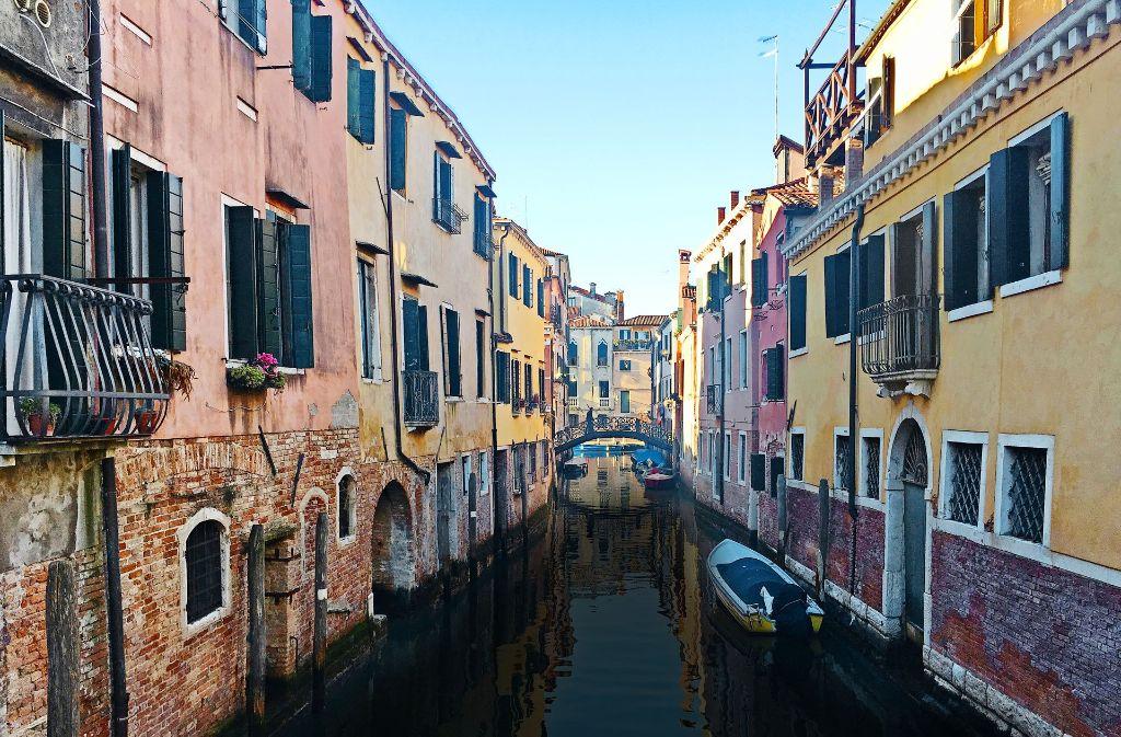 junge venezianer wehren sich vom leben in italiens disneyland panorama stuttgarter zeitung. Black Bedroom Furniture Sets. Home Design Ideas