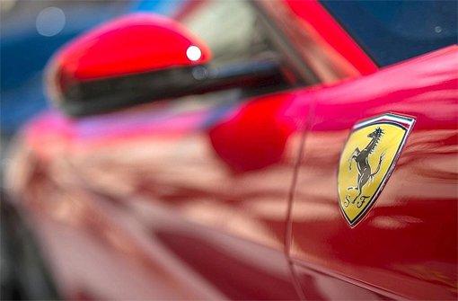 24. Oktober: Unfall mit neuem Ferrari gebaut