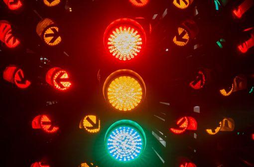 Die Ampel leuchtet jetzt rot und grün