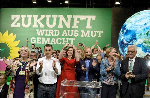 Die grüne Führungsriege in inszenierter Harmonie Foto: dpa
