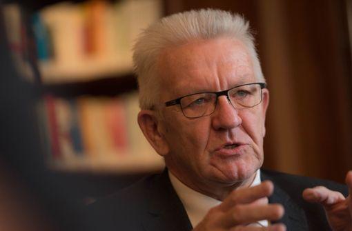 Kretschmann stützt Kanzlerin Merkel - Kritik an CSU
