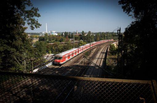Gegenstand im Gleis legt S-Bahn-Verkehr lahm