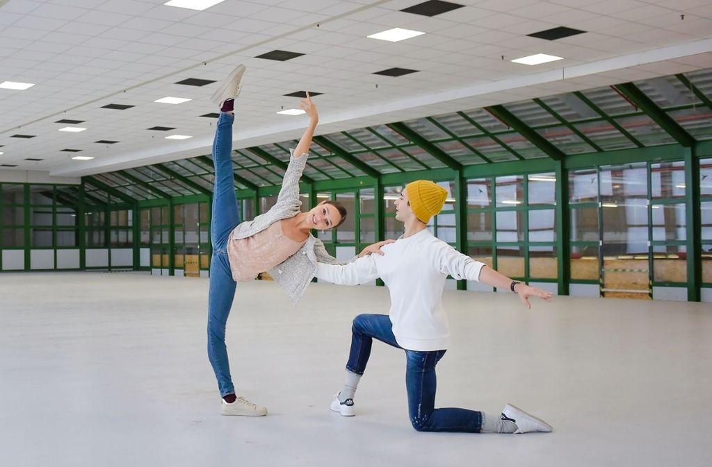 Es wär' zu schön gewesen: Tänzer des Stuttgarter Balletts hatten im Pakektpostamt schon einmal Maß genommen und sich gefreut – zu früh. Das Ausweichdomizil ist wieder aus dem Rennen. Foto: Roman Novitzky