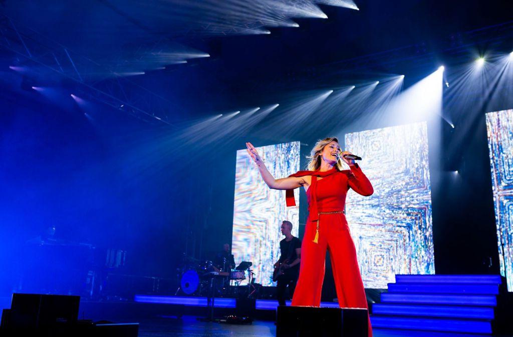 Helene Fischer performte für die 1500 geladenen Gäste. Foto: dpa/Philipp von Ditfurth