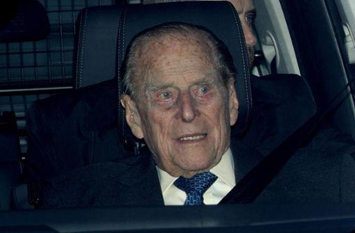 Prinz Philip  ins Krankenhaus gebracht
