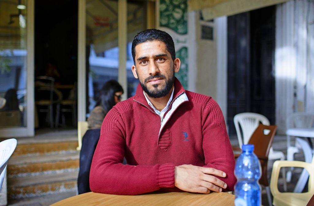 Der junge Tunesier Mounir Ben Abdallah hat eine Stelle als Krankenpfleger in Wiesbaden. Foto: Thomas Imo