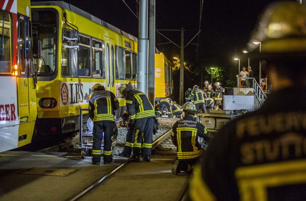 Die Feuerwehr rückte mit schwerem Gerät an. Foto: 7aktuell.de/Simon Adomat
