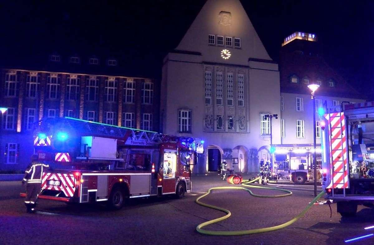 Der Verdächtige soll einen Brandanschlag auf das Rathaus in Delmenhorst verübt haben. Foto: dpa/Nord-West-Media TV