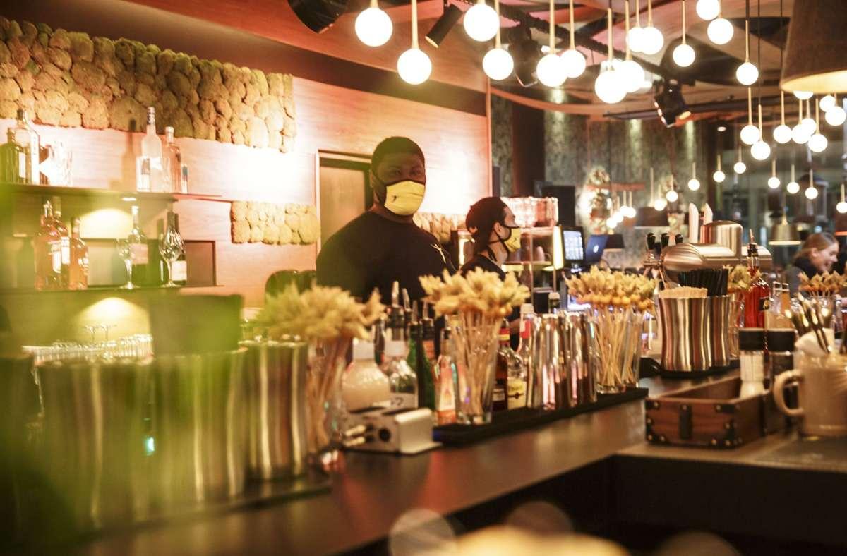 Das neu eröffnete Burgerestaurant Peter Pane an der Lautenschlagerstraße 21 ist auch eine Bar. Foto: Lichtgut/Rettig