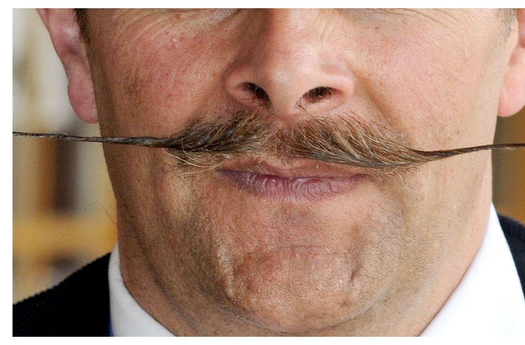 Im November lassen sich sonst frisch rasierte Männer einen Schnauzbart wachsen und sammeln Geld für den Kampf gegen Prostata- und Hodenkrebs. Foto: dpa