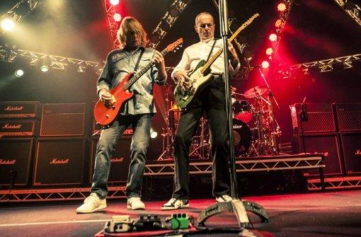Status Quo und Gotthard rocken im Zelt