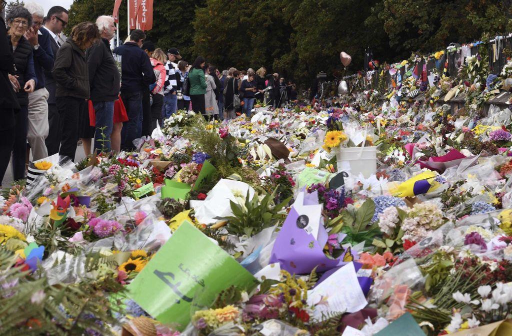 An diesem Freitag will ganz Neuseeland zur Tatzeit mit zwei Schweigeminuten der Opfer gedenken. Foto: AFP