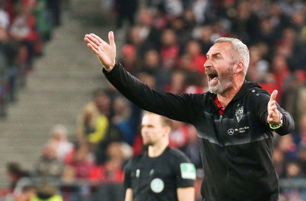 Trotz Platz zwei in der zweiten Liga mit dem VfB Stuttgart geht Trainer Tim Walter Foto: Baumann