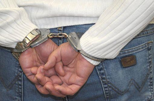 Jahrelange Flucht – Männer nun vor Gericht