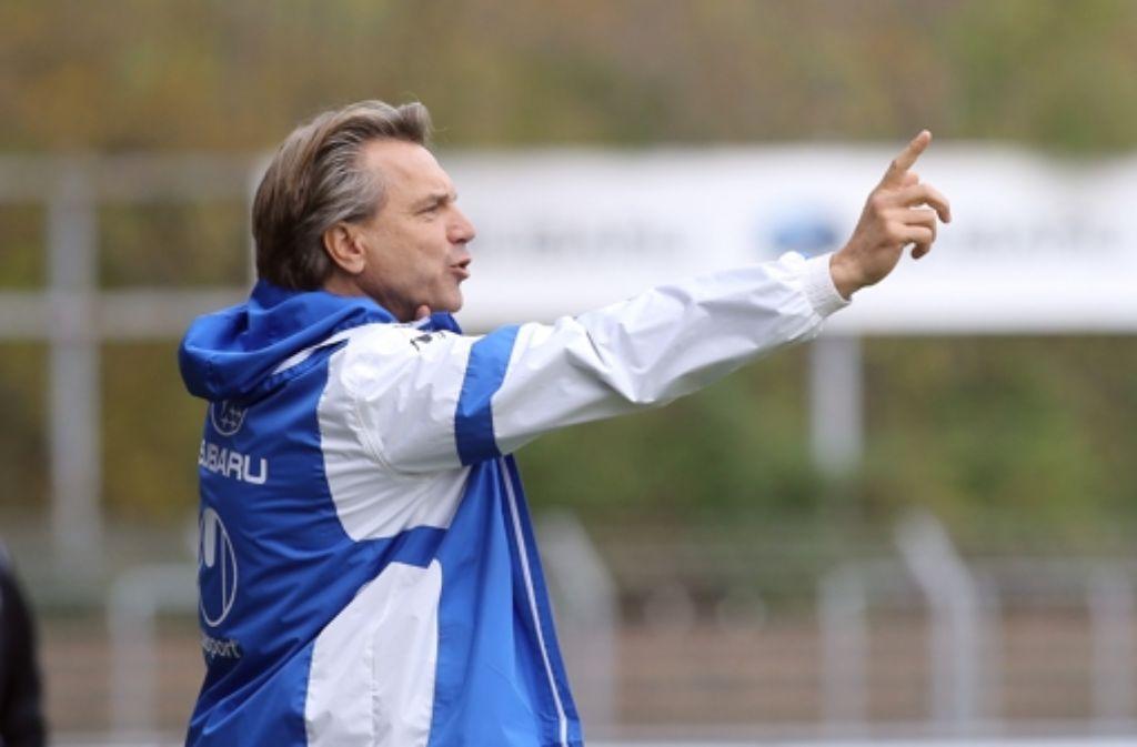 Trainer Horst Steffen war während der Partie gegen Erfurt nicht immer zufrieden mit der Leistung seiner Kickers. Foto: Pressefoto Baumann