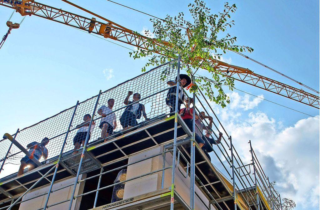 Die Kosten für die zwölf neuen Wohnungen an der Lilienthalstraße liegen  bei 3,7 Millionen Euro. Es entstehen Zwei- bis Vier-Zimmer-Wohnungen. Foto: Leonie Schüler