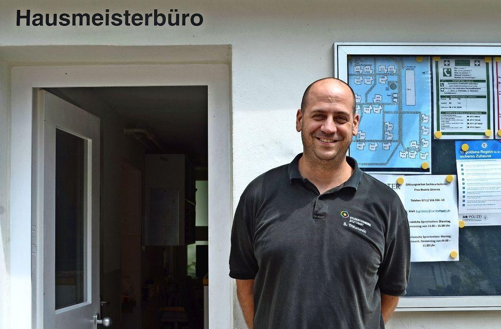 Saša Trifunovic ist Hausmeister mit Leidenschaft. Foto: Wiebke Wetschera