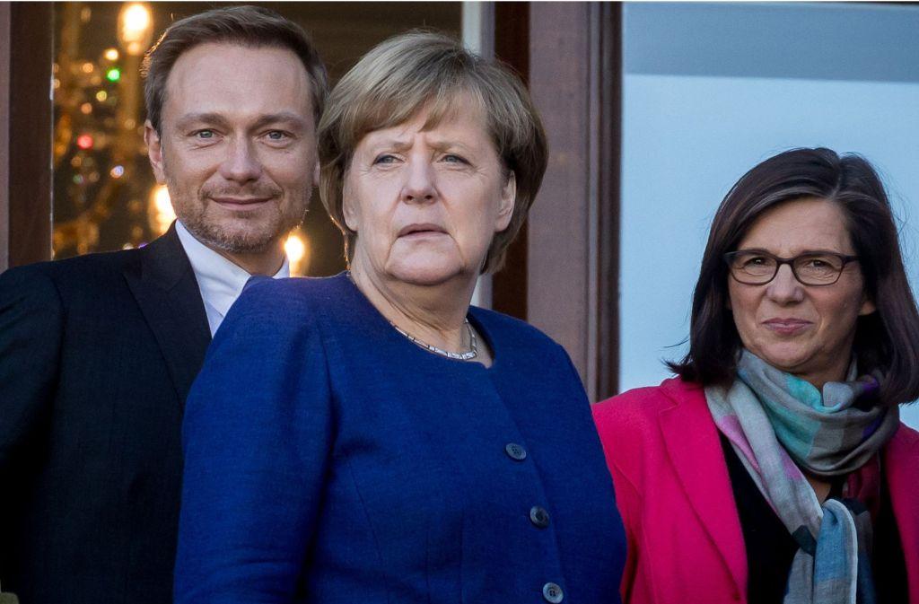 Wer wird was auf Jamaika. Diese drei dürften wohl gesetzt sein: FDP-Chef Christian Lindner, Kanzlerin Angela Merkel und Grünen-Fraktionschefin Kathrin Göring-Eckardt. Foto: dpa