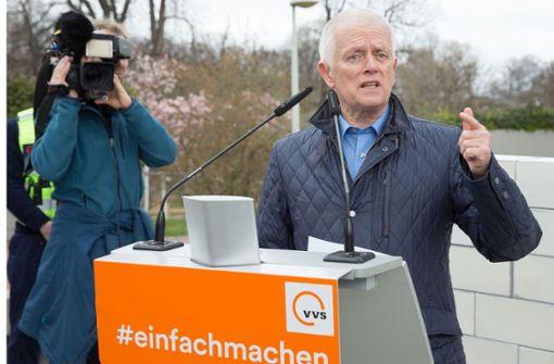 Oberbürgermeister Kuhn fährt privat nur mit Öffentlichen