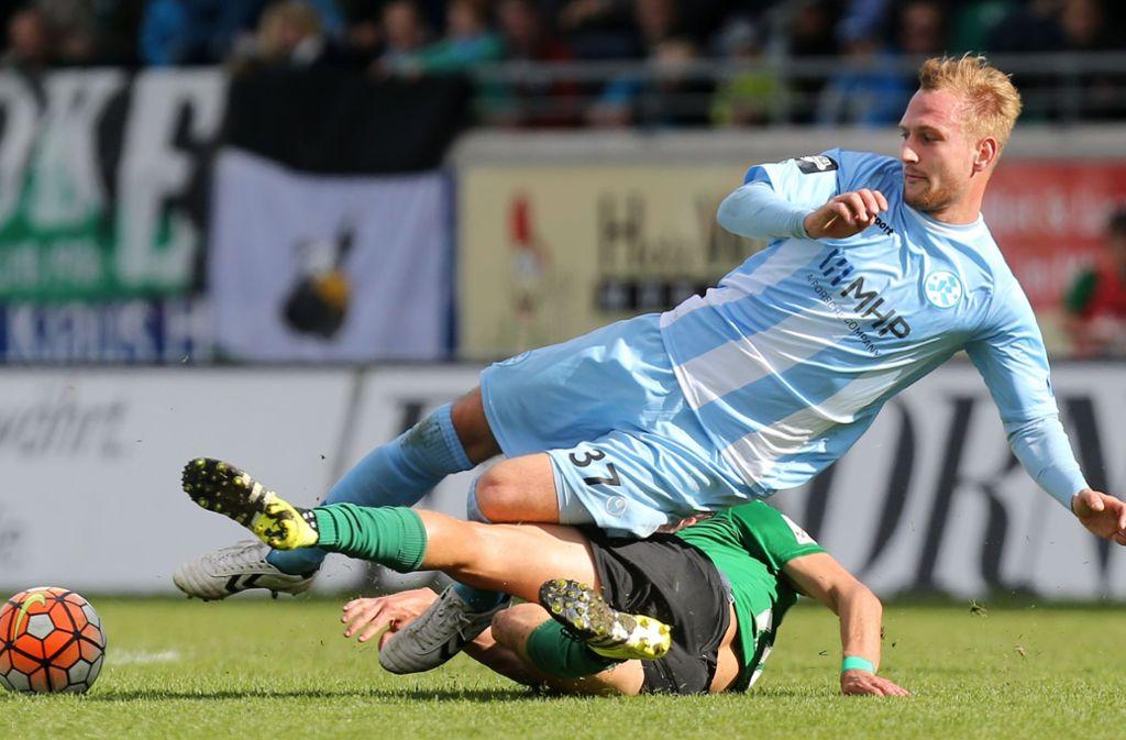 Früher auf dem Rasen auch für die Stuttgarter Kickers am Ball – jetzt sucht Manuel Fischer sein Glück beim Futsal. Foto: Baumann