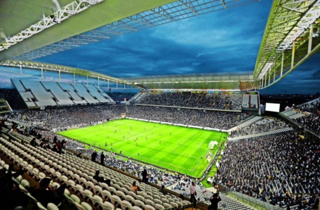 Testspiel  in São Paulo: ein Architekturbüro aus Stuttgart hat das Dach  jenes WM-Stadions konzipiert, in dem das Eröffnungsspiel stattfindet. Foto: AP