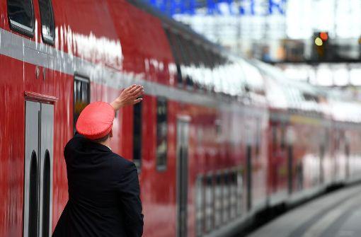 Regionalbahn überrollt Zugbegleiterin: 50-Jährige stirbt