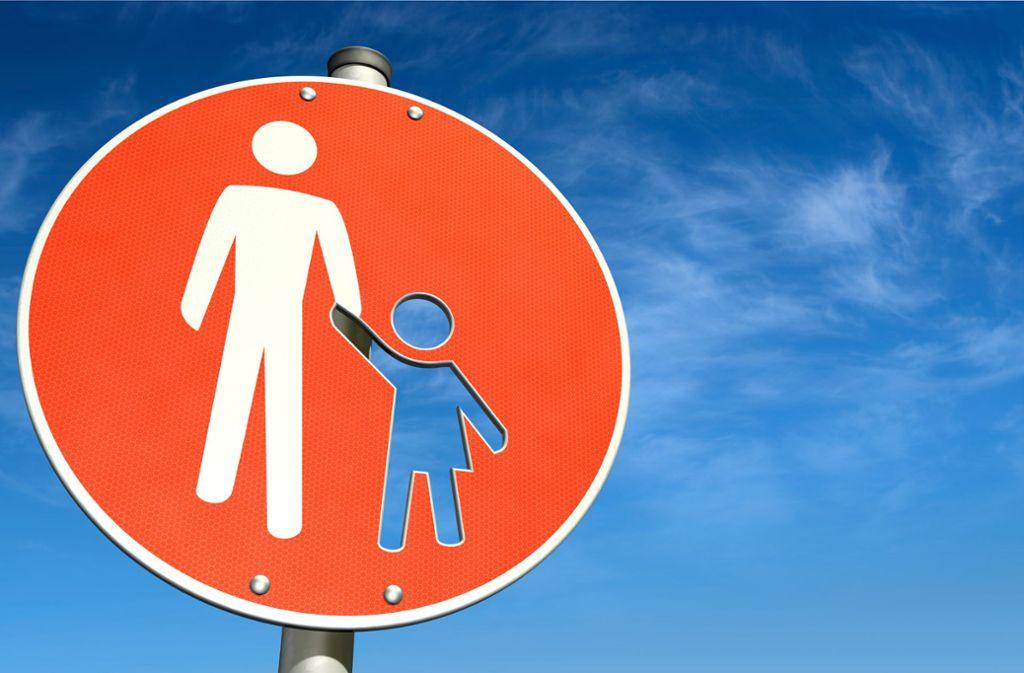 Das Jugendamt ist für unbegleitete Flüchtlinge zuständig. Foto: bluedesign - stock.adobe.com