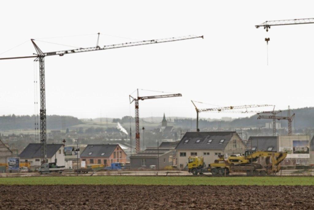 Bauboom in Renningen: Im Gebiet Schnallenäcker II sprießen die Häuser zurzeit nur so aus dem Boden. Foto: factum/Bach