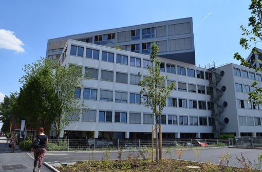 Das Bürogebäude in der Industriestraße 28 ist für den Betrieb von Schulen nach derzeitigem Stand nicht geeignet. sagt die Rathausspitze. Foto: Alexandra Kratz