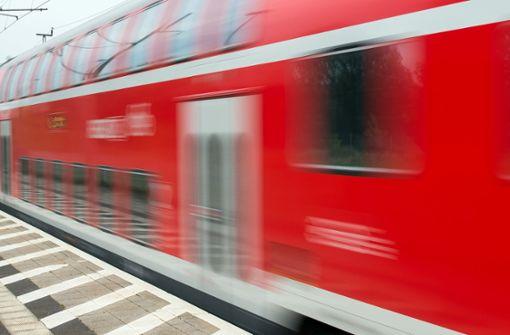 Autofahrer stirbt nach Kollision mit Zug