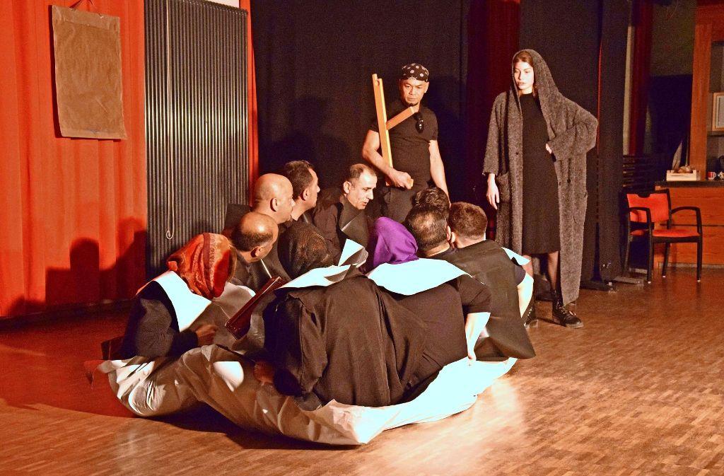 Viele Passagen des Stücks  gingen den Zuschauern unter die Haut. Foto: Petra Mostbacher-Dix