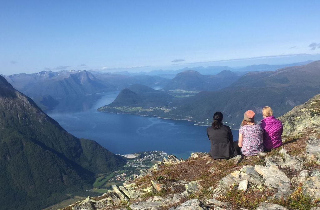 Eine grandiose Landschaft: die Bergwelt in West-Norwegen. Foto: Gabriele Kiunke