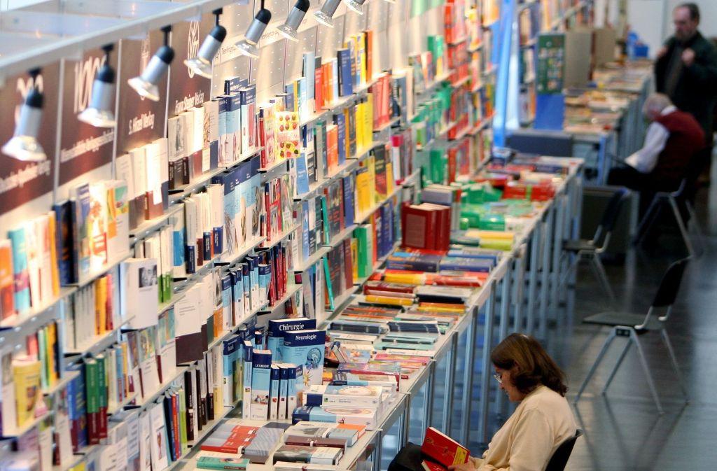 In jedem Jahr gibt es ein so genanntes Gastland, in diesem Jahr ist es Norwegen. Es werden Bücher über Land und Leute ausgestellt sowie Werke der wichtigsten norwegischen Autorinnen und Autoren. Foto: dpa
