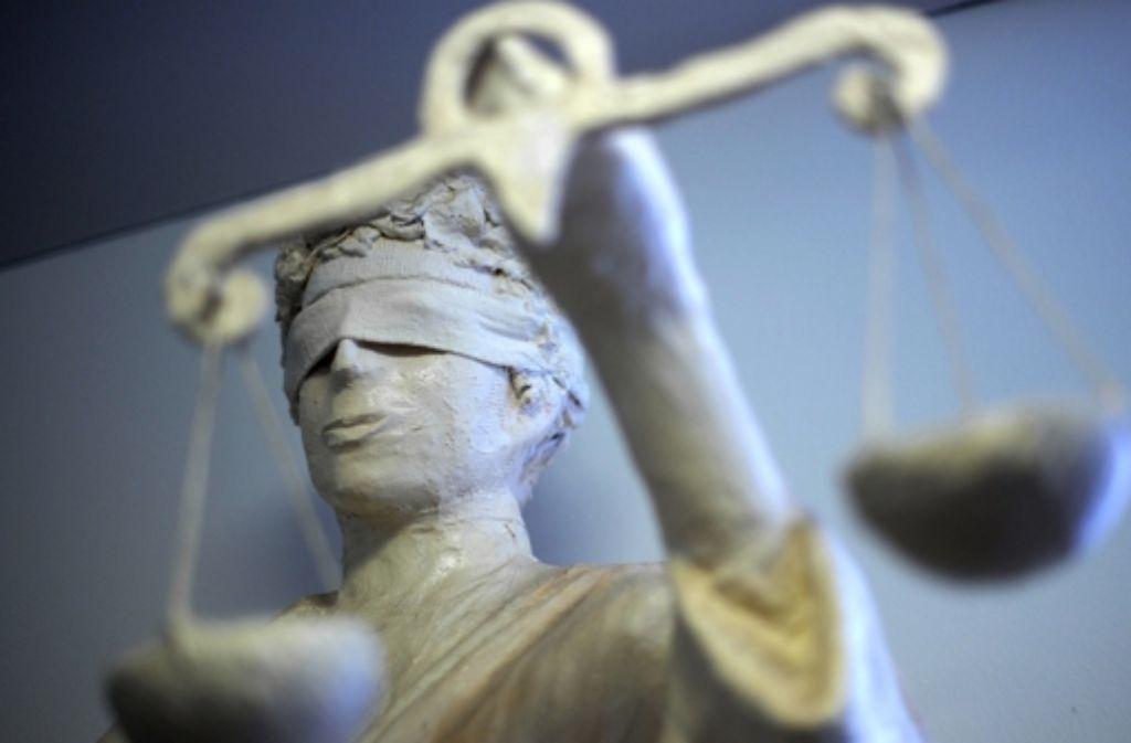 Ein 36-Jähriger muss sich wegen gefährlicher Körperverletzung und Bedrohung vor dem Amtsgericht Besigheim verantworten. Foto: dpa