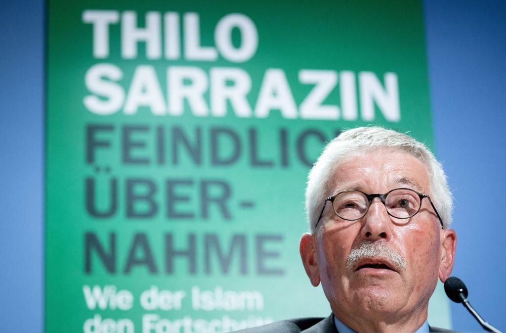 """Neues Buch: Thilo Sarrazin hat am Donnerstag """"Feindliche Übernahme"""" vorgestellt. Foto: dpa"""