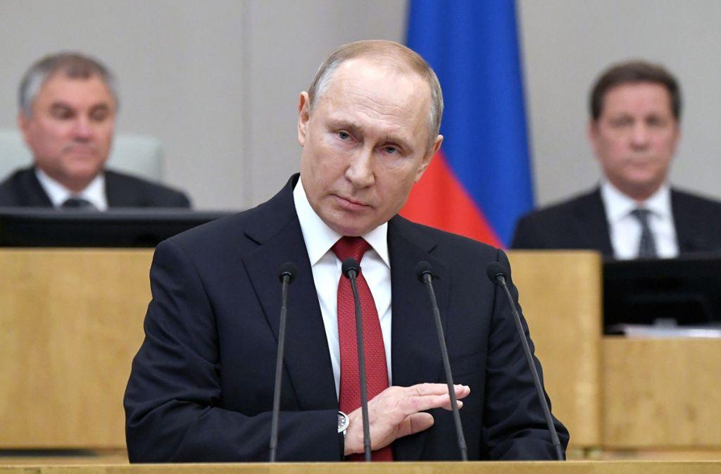 Wladimir Putin, Präsident der Russischen Föderation, lässt das Referendum zur Verfassungsreform verschieben. (Archivbild) Foto: dpa/Alexei Nikolsky