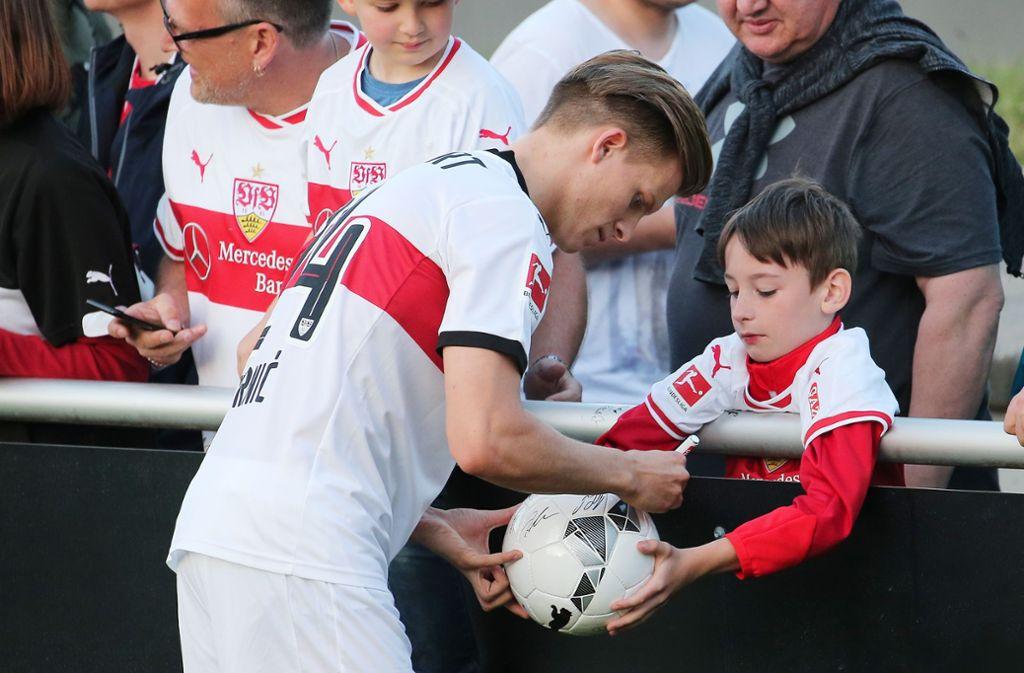 Dzenis Burnic war auch für den VfB Stuttgart aktiv. Foto: Pressefoto Baumann