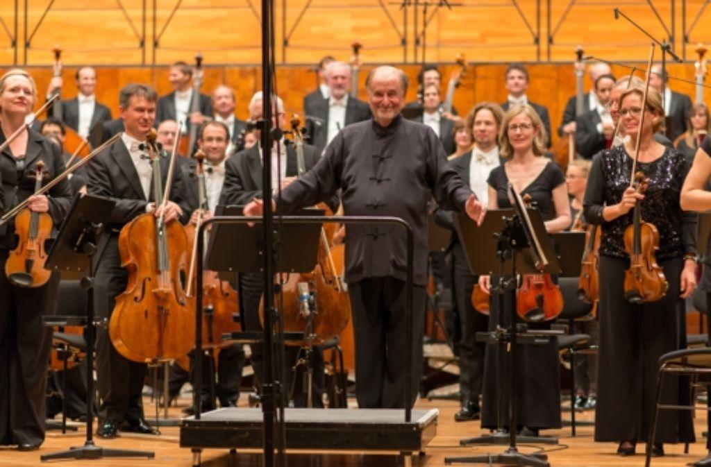 Roger Norrington und das RSO am Sonntag in der Liederhalle Foto: Holger Schneider