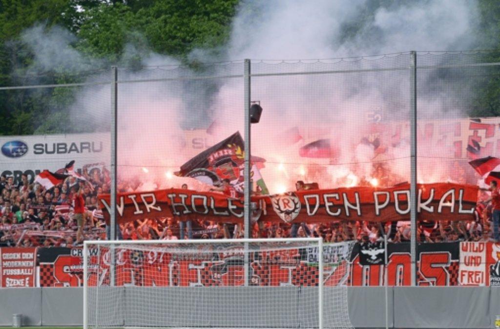 Beim Oberliga-Derby zwischen dem SSV Reutlingen und dem SSV Ulm ist es am Samstag zu Ausschreitungen gekommen. (Symbolfoto) Foto: Pressefoto Baumann
