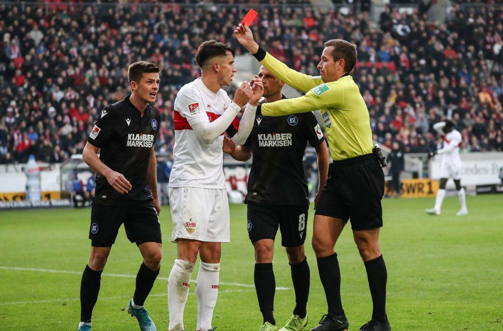 Marc Oliver Kempf vom VfB Stuttgart sah gegen den Karlsruher SC die Rote Karte. Foto: dpa/Christoph Schmidt