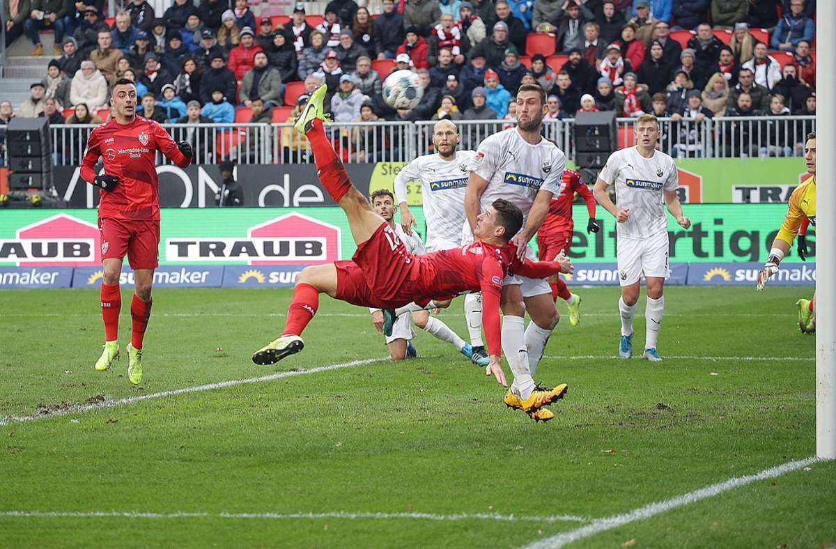 In Sandhausen erzielte Mario Gomez in der vergangenen Saison gleich drei Abseitstore. Foto: Pressefoto Baumann/Hansjürgen Britsch