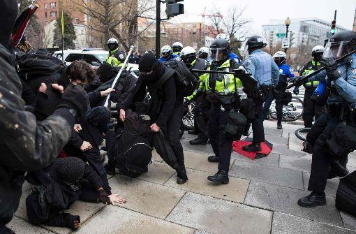 Festnahmen bei Anti-Trump-Krawallen