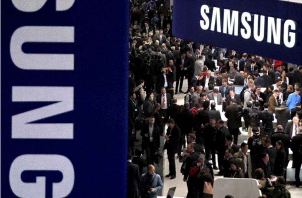 Der Samsung-Stand bei der Mobilfunkmesse in Barcelona Foto: dpa