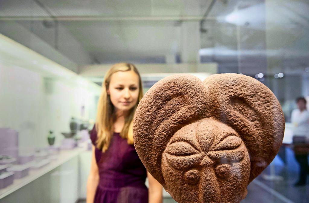 Kopf einer Götterfigur im Badischen Landesmuseum. Foto: Badisches Landesmuseum