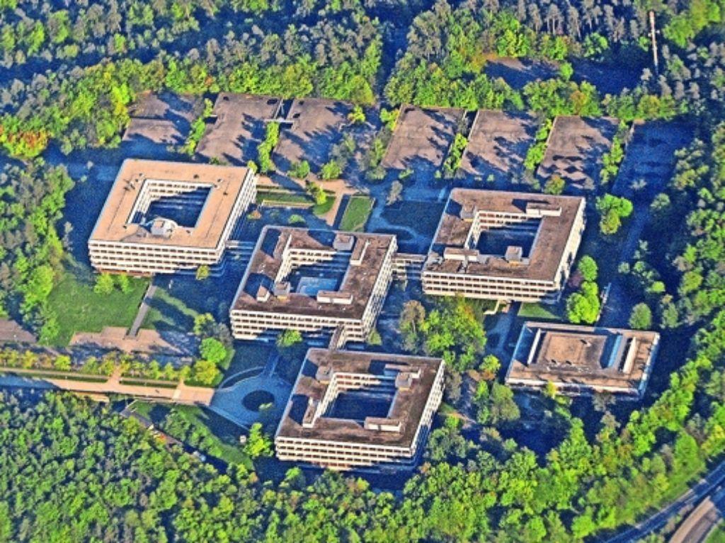 Seit 2009 stehen die Gebäude im Wald zwischen Vaihingen und Böblingen leer. Ihr Zustand verschlechtert sich von Jahr zu Jahr. Foto: dpa