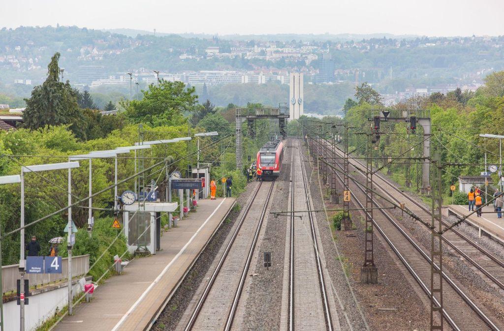 An der Station Sommerrain hat ein Unbekannter eine Glasflasche auf eine S-Bahn geworfen. Foto: 7aktuell.de/Herlinger