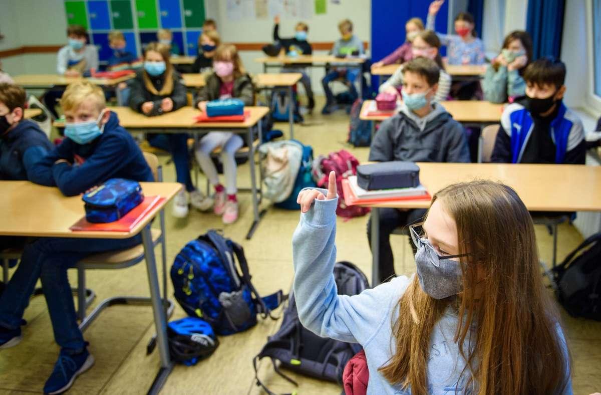 Schulunterricht soll im November weitergeführt werden. Foto: dpa/Gregor Fischer