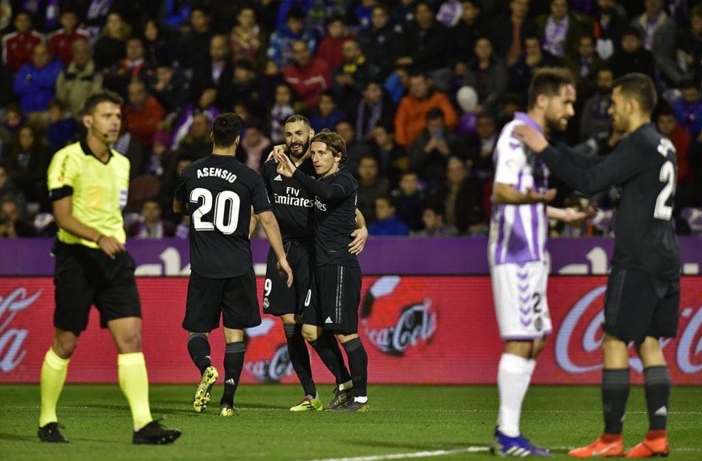 Real Madrid feierte einen Sieg gegen Real Valladolid – für fast noch mehr Aufsehen sorgte aber eine andere Szene abseits des Platzes. Foto: AP