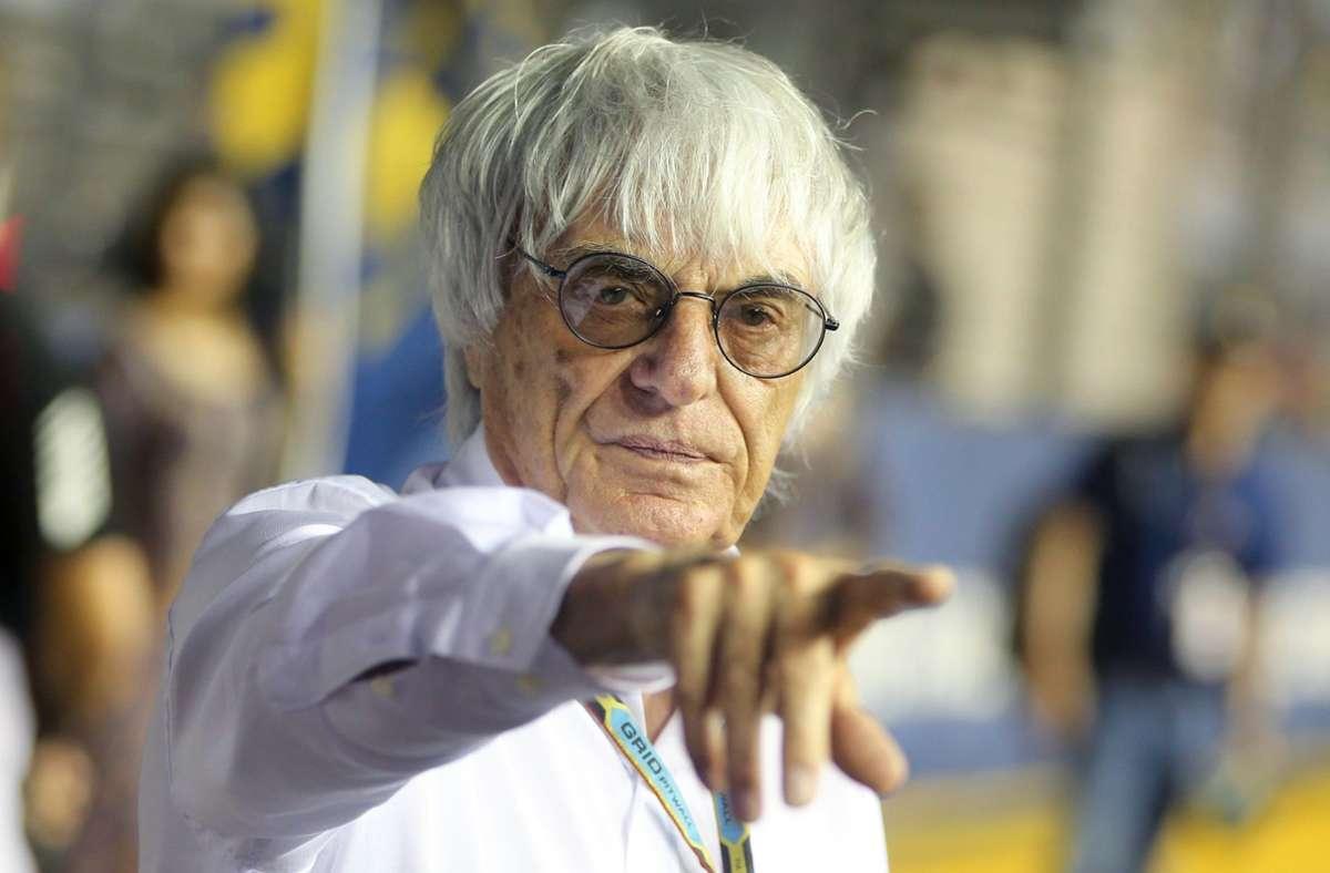Weiß mal wieder, wo es lang geht: Bernie Ecclestone Foto: dpa/Diego Azubel