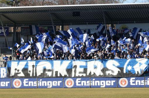 Erstes Stuttgarter Weihnachtssingen im Kickers-Stadion